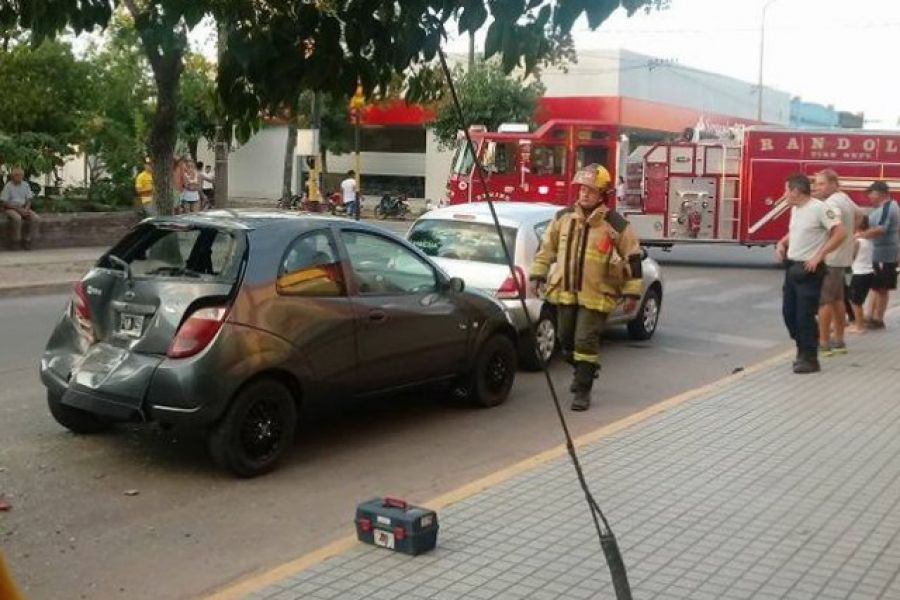 Accidente en Ruta 6 - Foto Bomberos Voluntarios