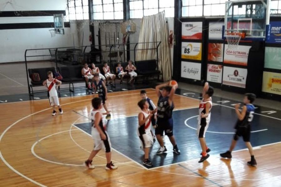 Basquet Alma Jrs. vs CAF - Foto GB