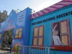 Escuela Itinerante en Plaza de Mayo
